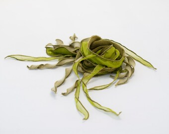 Collier textile TIPHYLAD - Olive sur lime
