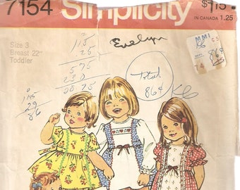 VINTAGE Simplicity Sewing Pattern 7154 - Children's Clothes - Toddler Dress & Panties, Size 3