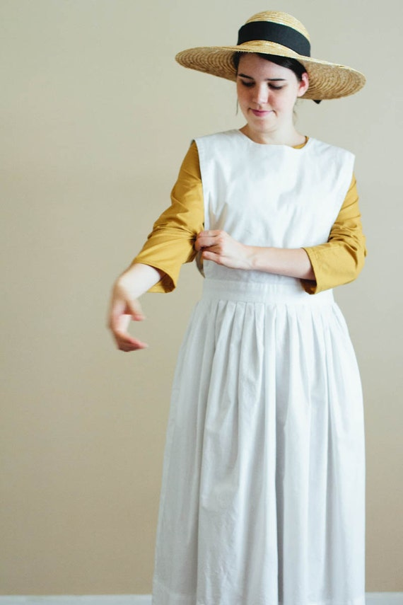 1900 Edwardian Dresses, Tea Party Dresses, White Lace Dresses 1900s apron $75.00 AT vintagedancer.com