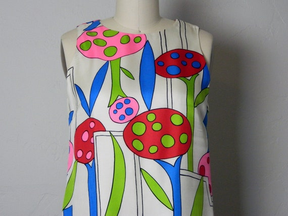 Vintage BH Wragge 60's Mod Sleeveless Shift Dress