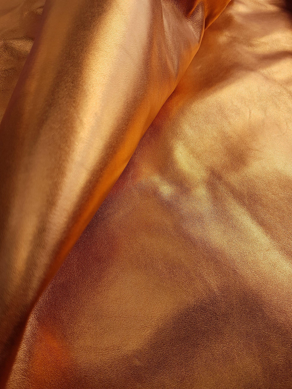 NOUVEAU - 7 pieds carrés Orange véritable métallisé effet peau de vache  véritable Orange cuir peau fa0550f9b9f