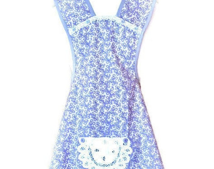 Purple and White Floral and Leaf Print Old-Fashioned Apron / Apron for Women Size XS-S