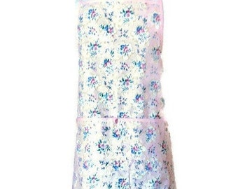 Light Pink Floral Pleated Hemline Apron / Apron for Women Best Fits Sizes XL or 1X
