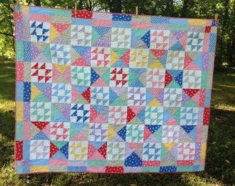 Sunny Days '30s Lap Quilt / Toddler Quilt / 51 x 65 Inch Quilt / Finished Quilt