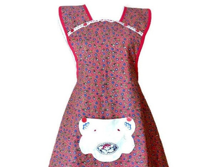 Red Cotton Floral Old-Fashioned Apron / Apron for Woman Size L-XL