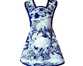 Royal Blue and White Floral Print Apron / Old-Fashioned Apron for Girls Size 5-6