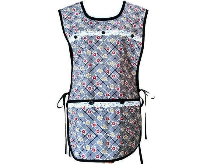 Black and White Check and Floral Cobbler Apron / Side-Tie Apron / Plus Size Cobbler Apron for Woman Size Fits Size XL or 1X