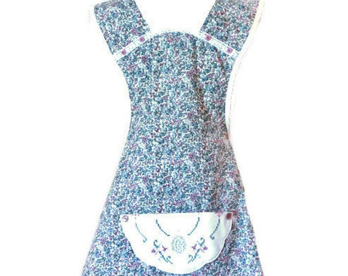 Baskets and Blooms Floral Old-Fashioned Apron / Apron for Women Size XS-S