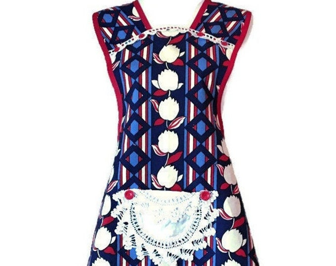 Blue and Red Geometric Print Old-Fashioned Apron for Woman Fits Sizes L-XL