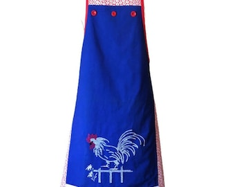Chicken Apron Featuring Red Floral Flour Sack Fabric / Apron for Woman Fits Sizes M-L-XL