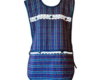 Plus Size Apron in Vintage Plaid Seersucker Fabric / Apron for Woman Fits Size 2X or 3X