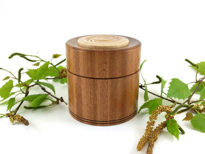Ring box Wooden keepsake box Turned Box with lid Woodturning Turned wooden box made from Sapele /& Beech Jewellery box