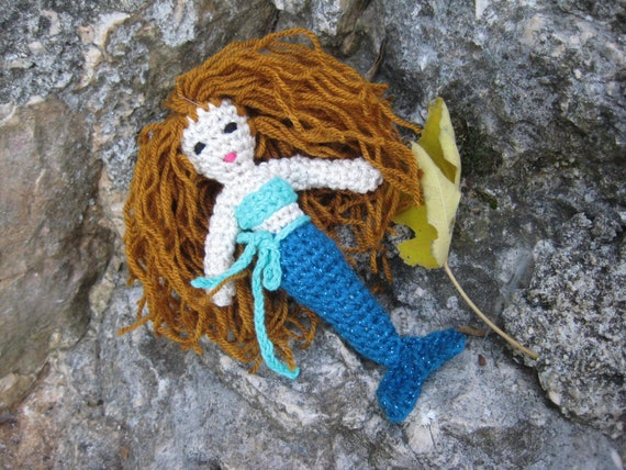 Crochet Mermaid doll pattern | Amiguroom Toys | 428x570