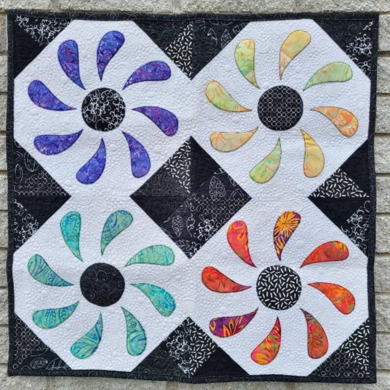 PDF Quilt Pattern  Flower Box Mini image 0