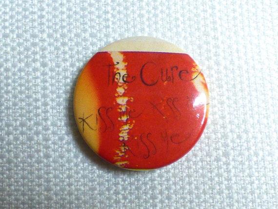 80s KISS 1.5 pin button C032