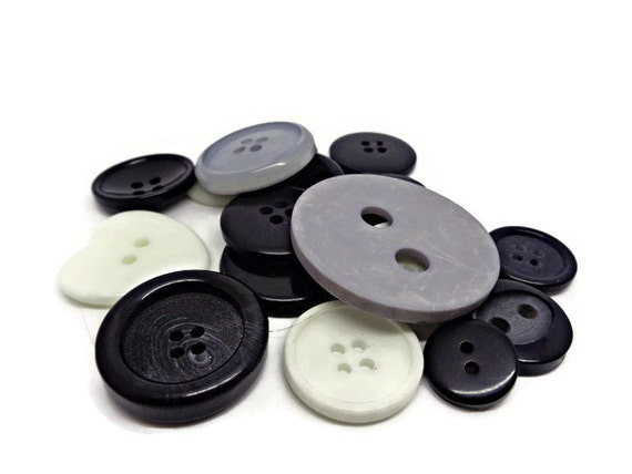 BUTTON MIXES CRAFTING SCRAPBOOKING SEWING .... 30g BAGS