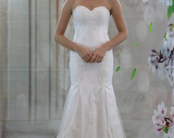 Charming Sweetheart Lace Applique Mermaid Wedding Dress, Scallop V Back Bridal Gown