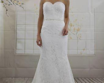 Classic Simple Sweetheart Mermaid White Lace Wedding Dress, Decorative Rhinestone Belt Beading