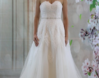 Elegant A-line lace bridal gown, Sweetheart crystal belt tulle wedding dress