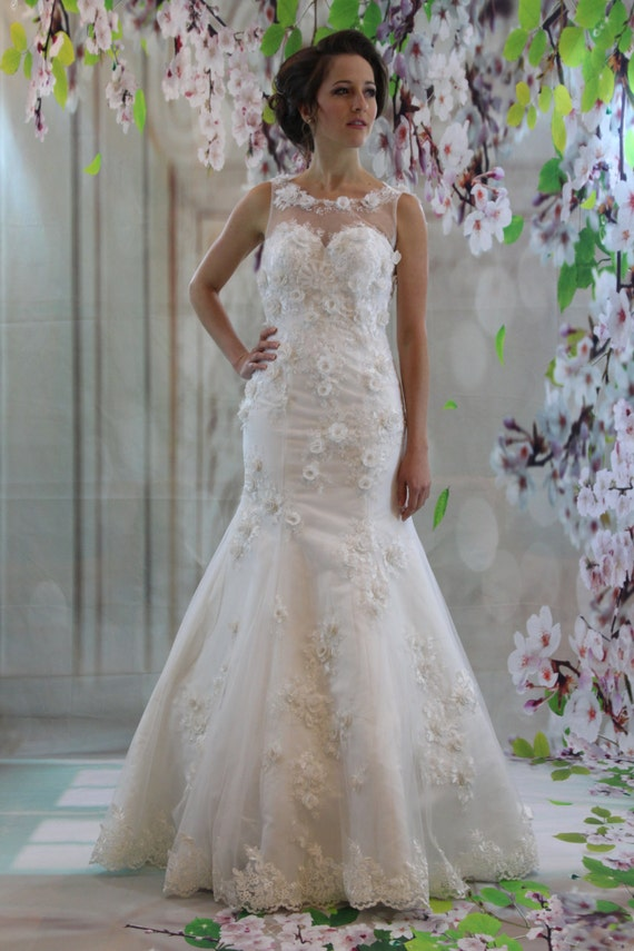 Gorgeous 3d Lace Illusion Neckline Bridal Gown White Mermaid Etsy