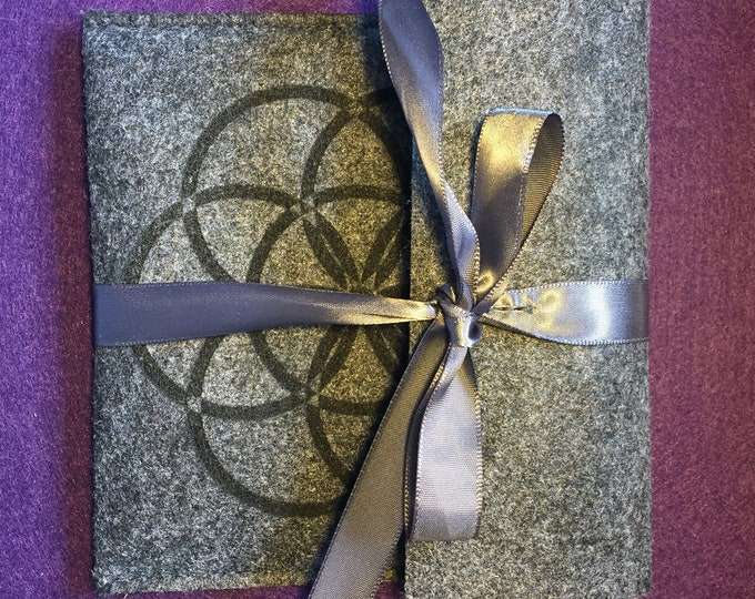 Sacred Geometry felted Gift Pouch - flower of life