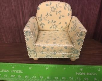 1/12th. 1:12 scale Dolls House. Armchair. Handmade. Pan Miniatures.