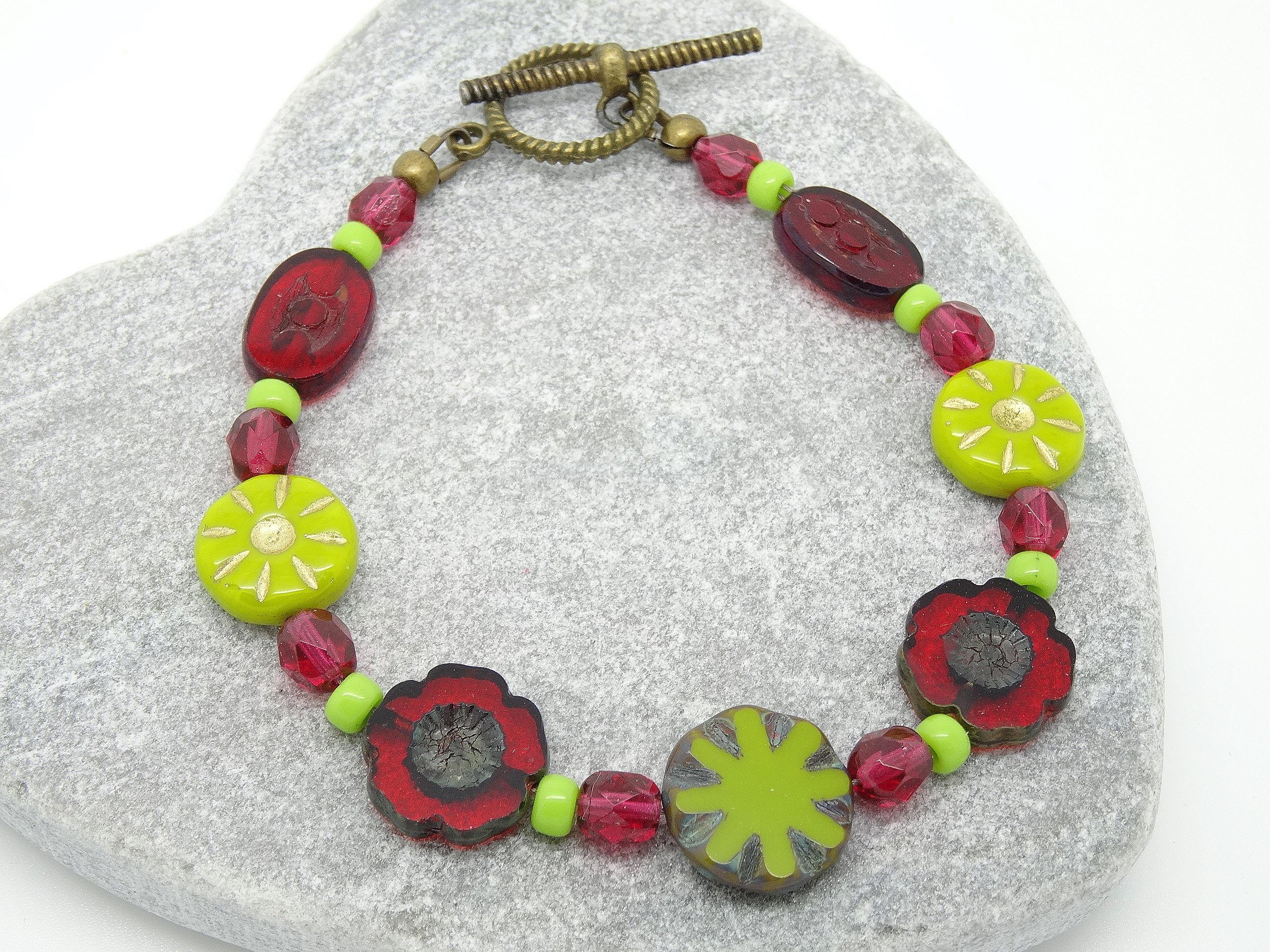 bracelet rouge bracelet vert fleur bracelet bracelet de etsy. Black Bedroom Furniture Sets. Home Design Ideas