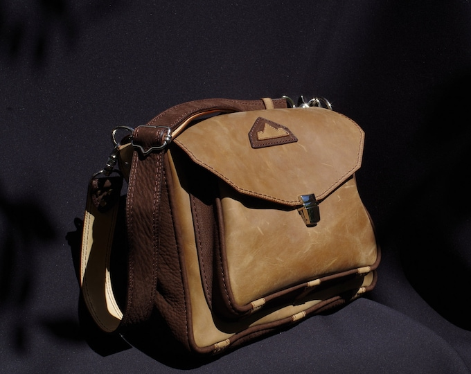Messenger bag, Briefcase, shoulder bag, leather tan/beige and Brown