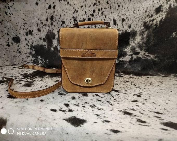 Natural tan beige leather bag effect aged man
