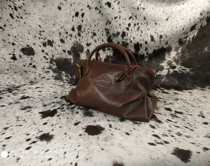 Handbag in dark brown leather look vintage and timeless made in France