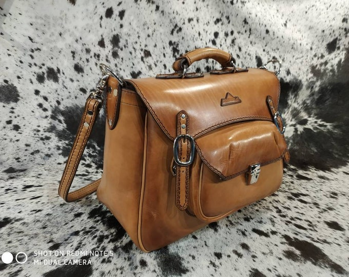Great cross body bag, Briefcase, travel bag wears France genuine leather Briefcase