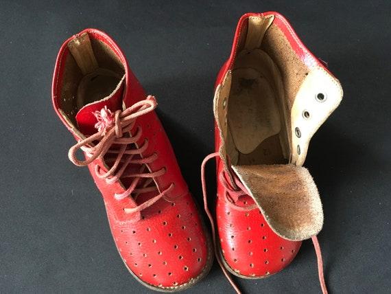 Chaussures PoupéesChaussures Rouges Ancienne Pointure de 24Chaussures Collection 50Chaussures de EnfantBottines Rouges Années sQrCxthdB