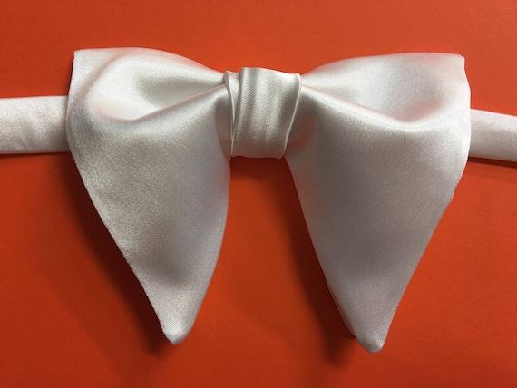 Handmade Oversized Green Velvet Brocade Bow tie Vintage style 70`s Wedding Prom