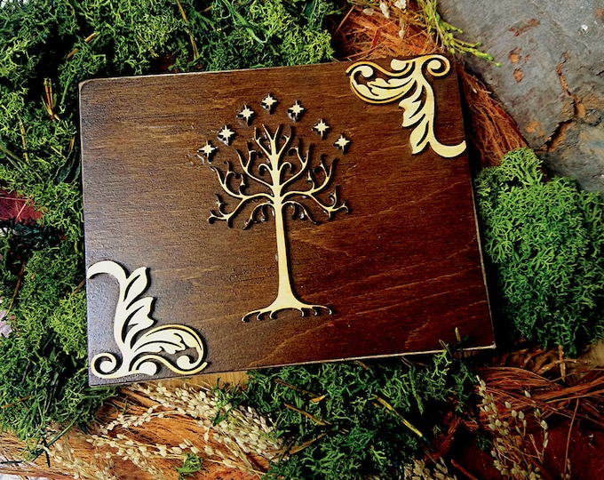 White tree of life wedding rings box Tolkien theme moss ring bearer personalized writings laser cut sola flowers natural woodland Celtic