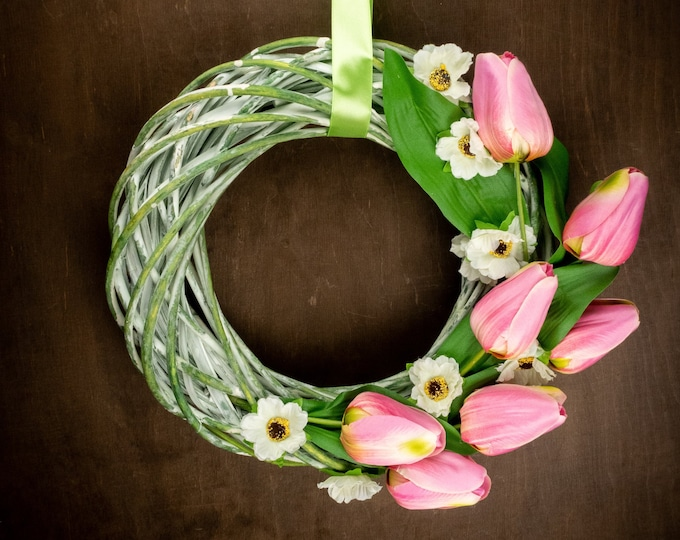 Green pink tulips Easter spring floral flower wreath decor front door decor, shabby chic Passover