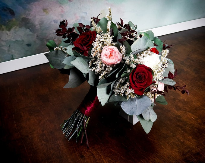 Burgundy blush pink wedding bouquet with real preserved flowers and eucalyptus greenery, roses hydrangeas dahlia, realistic bridal flowers