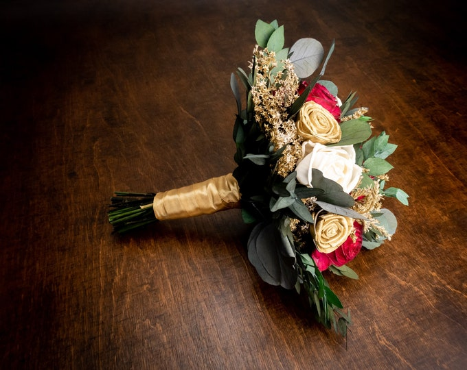 Winter wedding gold red and ivory bouquet with sola flowers,gold dried flowers and preserved eucalyptus, bridal bridesmaid, elegant flowers