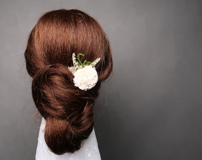Romantic hair pin in woodland style