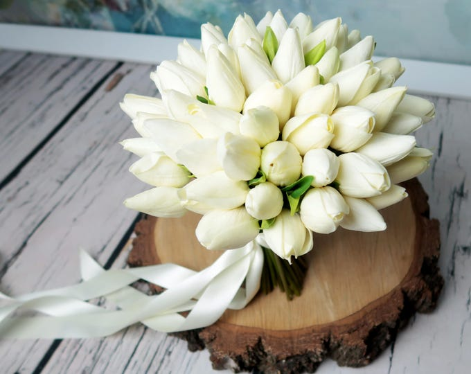 Spring white tulip wedding bouquet, super realistic artificial flowers, delicate simple everlasting bridal bouquet, ivory flowers for bride