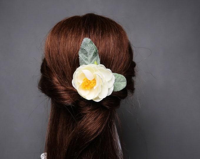 Wedding bridal hair piece clip greenery single silk flower peony ranunculus creme dusty miller simple clip flocked leafs elegant bobby pin
