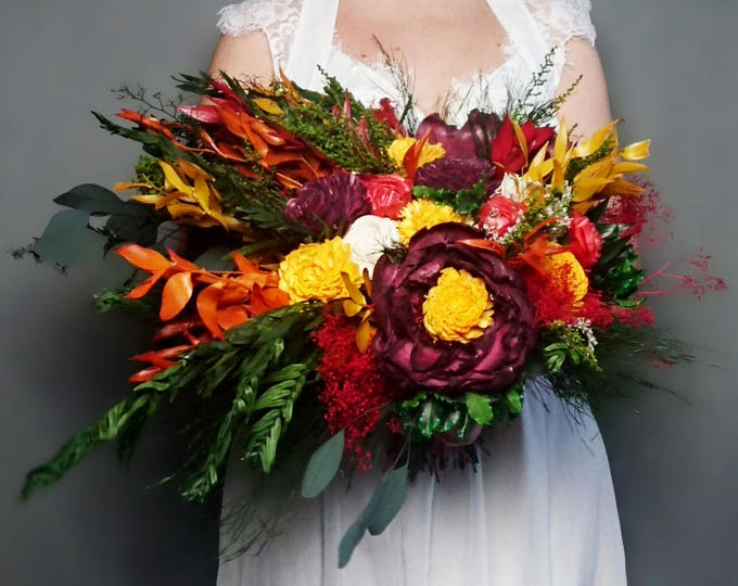 Natural boho wedding bouquet in fall colors