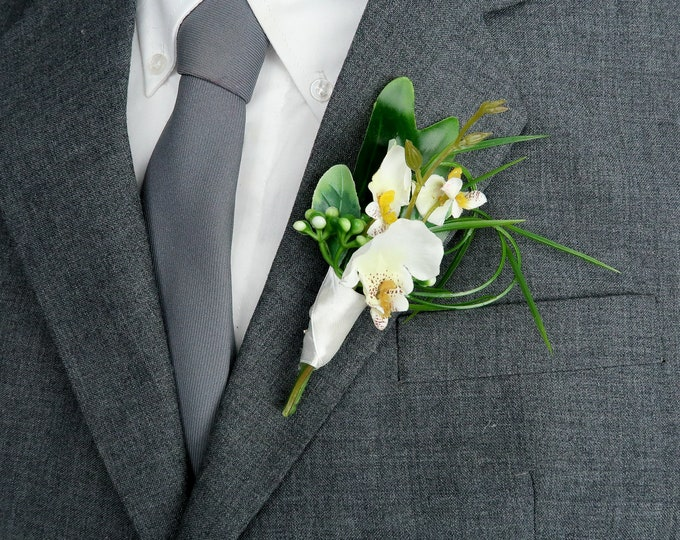 Small tropical wedding orchid boutonniere, realistic silk flowers, modern wedding, Groom flowers