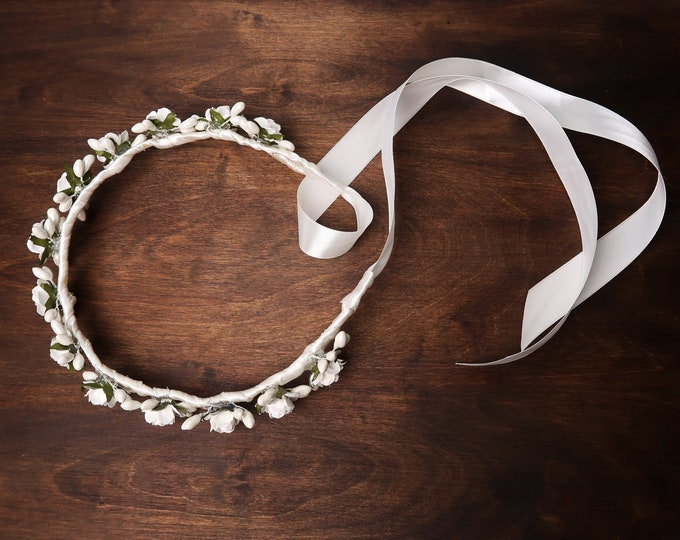 White roses floral wreath, Wedding first communion crown, artificial paper roses flowers pearls satin ribbon, for bridesmaid flower girl