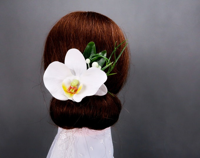 Tropical wedding orchid hair comb, realistic silk flowers, modern wedding, bridal flowers floral hairpiece