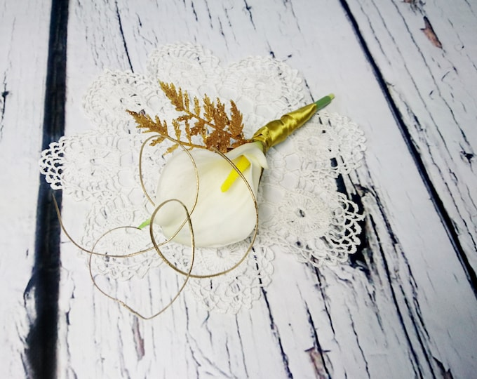 Gold calla lily BOUTONNIERE vintage great Gatsby wedding cream rich glitter fern rattan