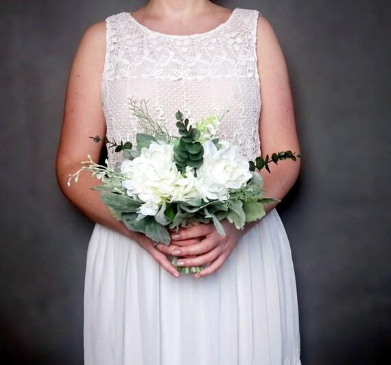 Réaliste Moyen Bouquet De Mariage Fleurs De Soie Meunier Poussiéreux Feuilles Roses De Verdure Hydrangea Eucalyptus Ivoire élégant Demoiselle