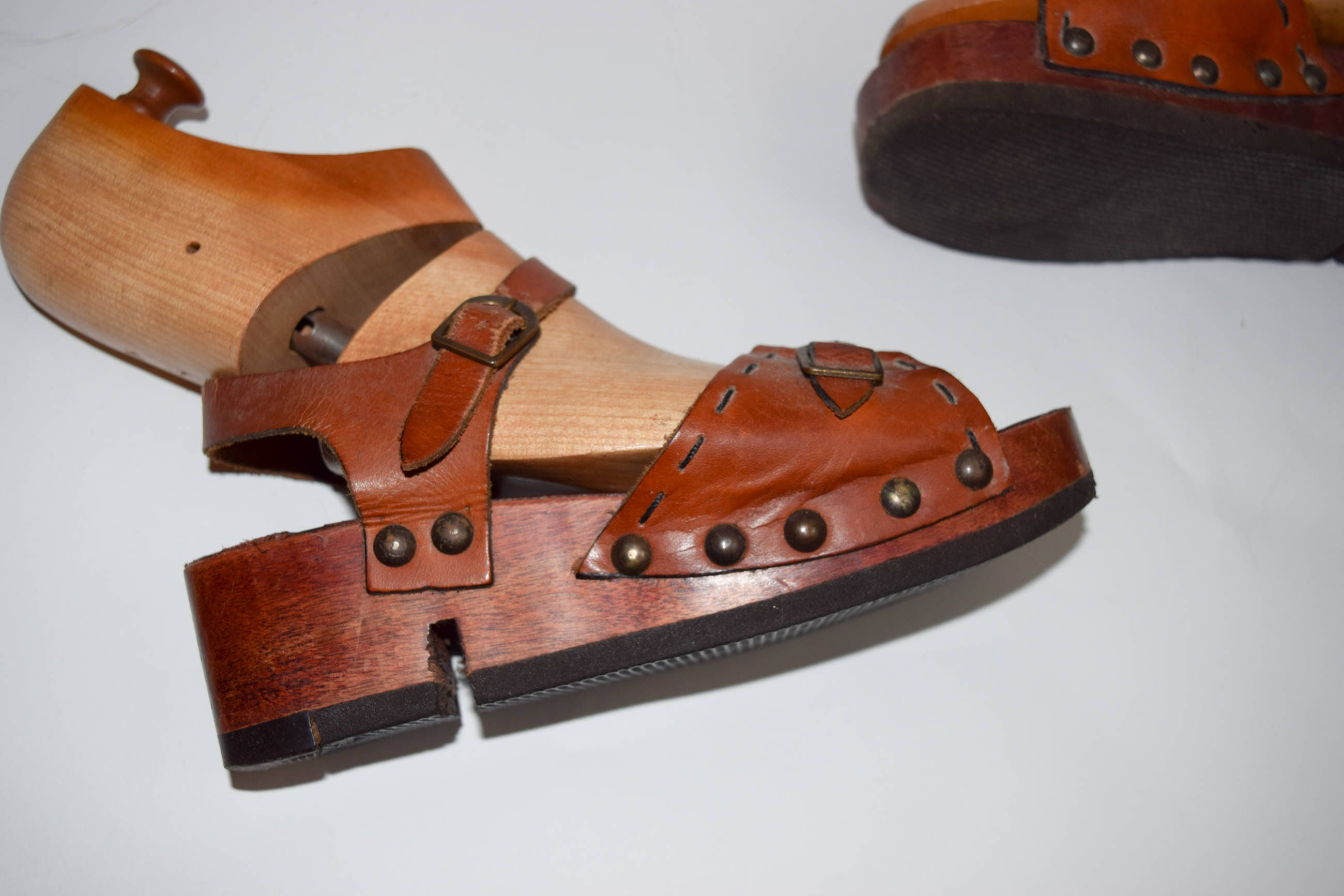 1970s wood sz6-7 and leather platform sandals sz6-7 wood made in Brazil disco shoes wooden platform leather sandals hippie boho seventies brown leather 2a2bcb