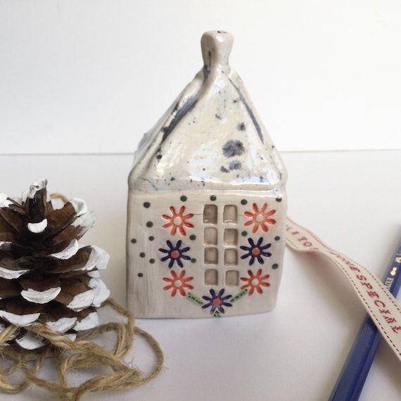 Ceramic house/shop. 5.5cm/2ins square. Approx 9cm/3.5ins tall. Handmade. Folkart house. Small ceramic house. Unique. Ornament. Decorative.