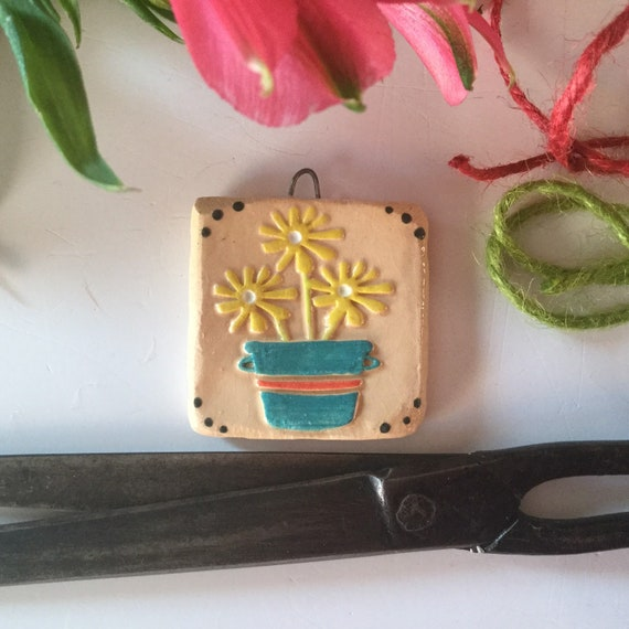 Handmade Ceramic tag, decoration, flower tag, vintagey, kitchen decor, tiny gift, Springtime, Easter gift