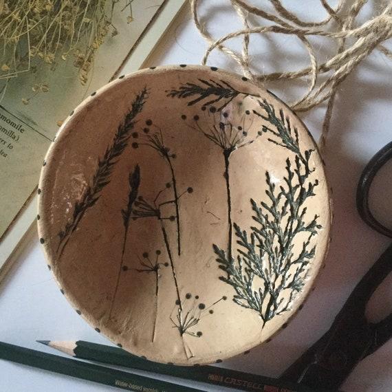 Handmade ceramic dish, trinket dish, pins dish, botanical pattern, grasses, leaves, vintage look